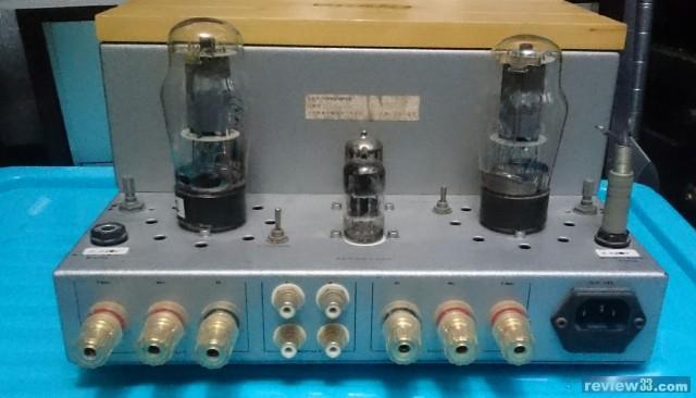 由两只三极管推动一只功率管,所有的电子管都工作在甲类单端状态,这种